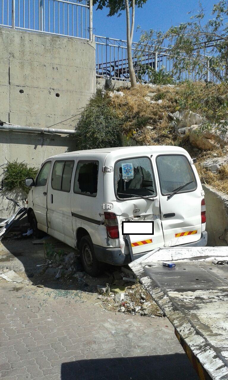רכב שבור לפירוק  – טראנזית